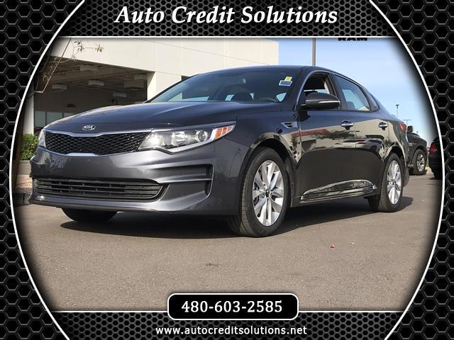 2017 Kia Optima Recent ArrivalPlatinum Graphite 2017 Kia Optima FWD 4D Sedan includes a remote tru