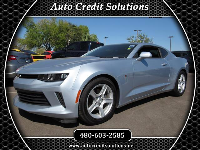 2017 Chevrolet Camaro This 2017 Chevrolet Camaro 1LT series includes --a power trunk release a trac