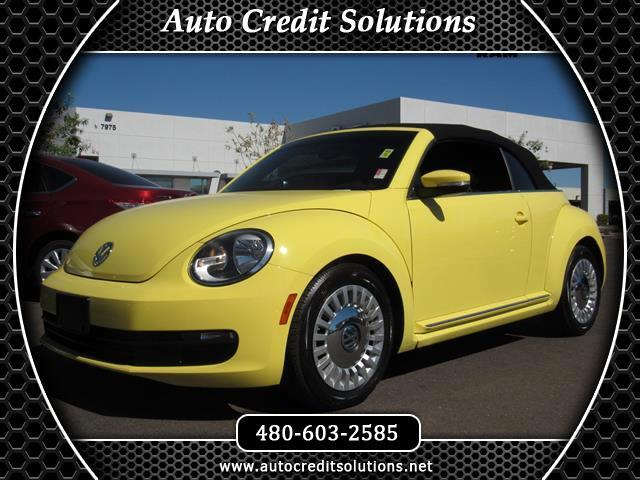2015 Volkswagen Beetle This 2015 Volkswagen Beetle 18T series includes hill start assist control t