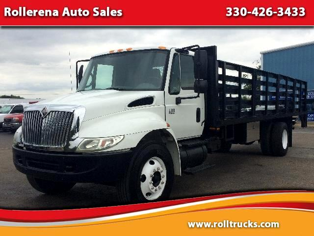 2006 International 4400 Stake Body Truck
