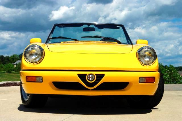 1993 Alfa Romeo Spider Base