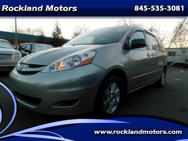 2008 Toyota Sienna LE - 7 Passenger Seating