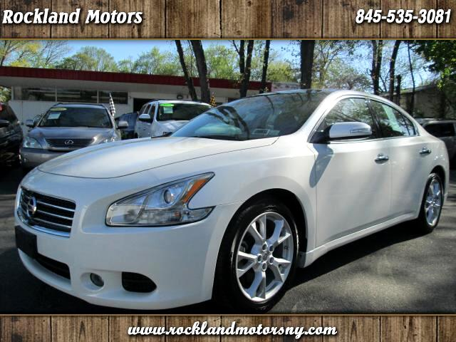 2010 Nissan Maxima DISCLAIMER WE MAKE EVERY EFFORT TO PRESENT INFORMATION THAT IS ACCURATE HOWEVER