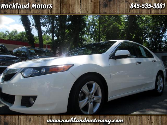 2010 Acura TSX CLEAN CARFAX 2 PREVIOUS OWNERS DISCLAIMER We make every effort to present informat