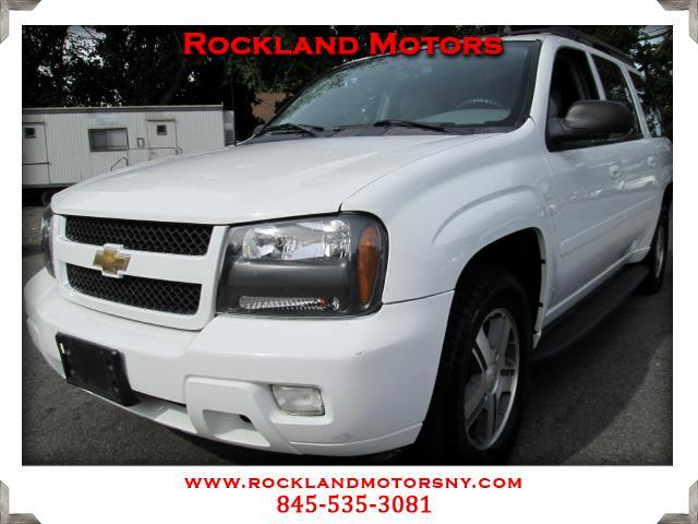 2006 Chevrolet TrailBlazer  CLEAN CARFAX  DISCLAIMER We make every effort to present informat