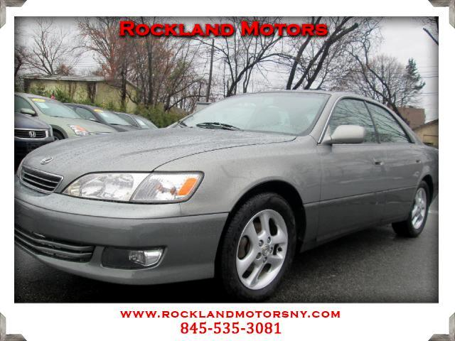 2001 Lexus ES 300 DISCLAIMER We make every effort to present information that is accurate However