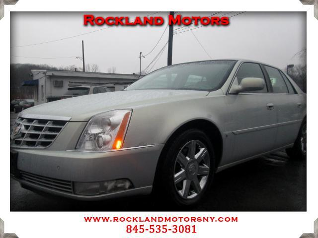 2006 Cadillac DTS DISCLAIMER We make every effort to present information that is accurate However