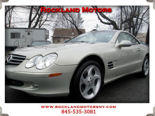 2003 Mercedes SL-Class DESIGNO PACKAGE DISCLAIMER We make every effort to present information t