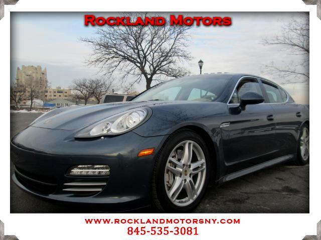 2010 Porsche Panamera DISCLAIMER We make every effort to present information that is accurate Howe