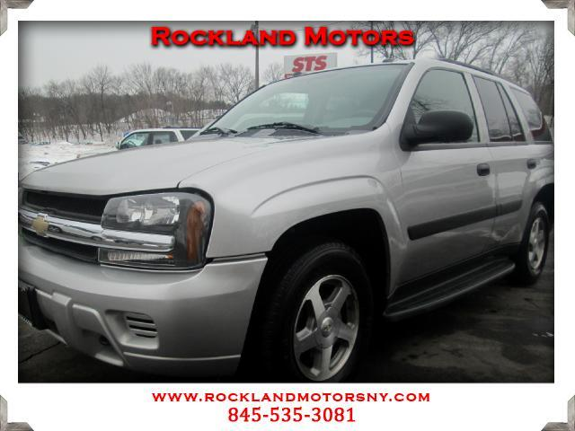 2005 Chevrolet TrailBlazer DISCLAIMER We make every effort to present information that is accurate