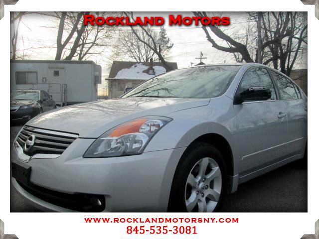 2009 Nissan Altima DISCLAIMER We make every effort to present information that is accurate However