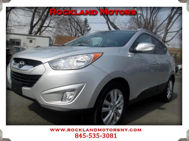 2011 Hyundai Tucson DISCLAIMER We make every effort to present information that is accurate Howeve