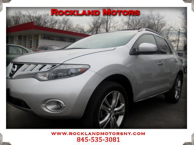 2010 Nissan Murano DISCLAIMER We make every effort to present information that is accurate However