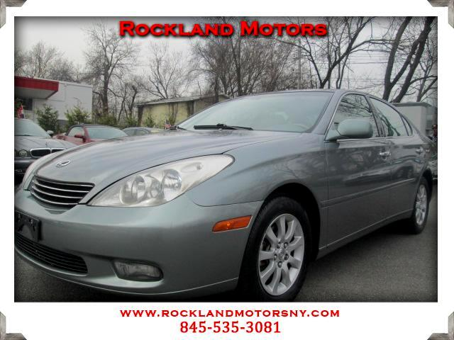 2002 Lexus ES 300 DISCLAIMER We make every effort to present information that is accurate However