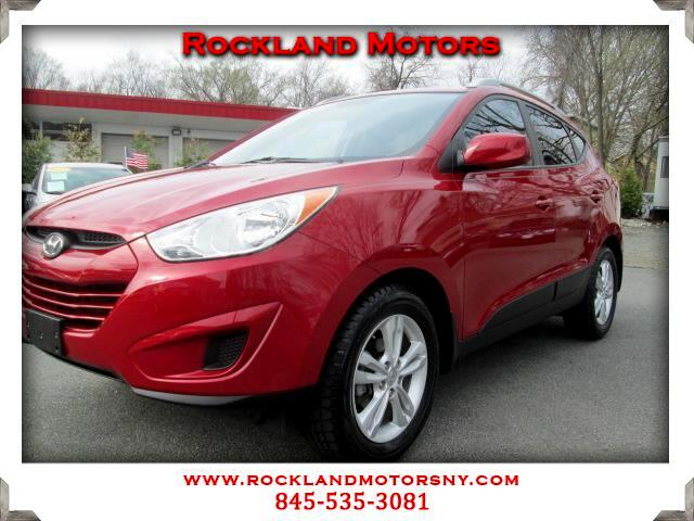2010 Hyundai Tucson DISCLAIMER We make every effort to present information that is accurate Howeve
