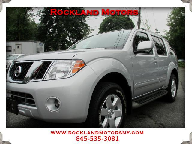 2011 Nissan Pathfinder DISCLAIMER We make every effort to present information that is accurate How