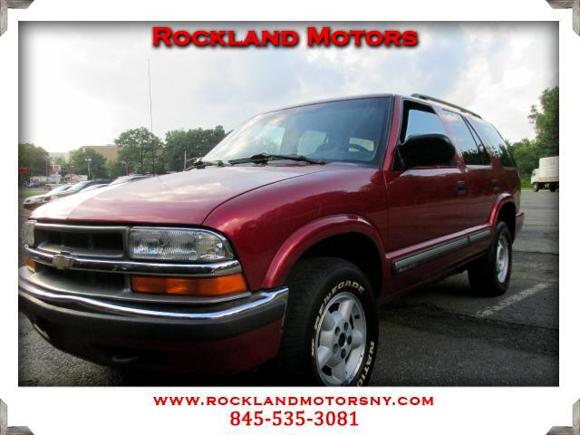 2000 Chevrolet Blazer DISCLAIMER We make every effort to present information that is accurate Howe