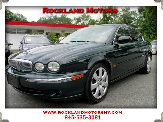 2005 Jaguar X-Type DISCLAIMER We make every effort to present information that is accurate However