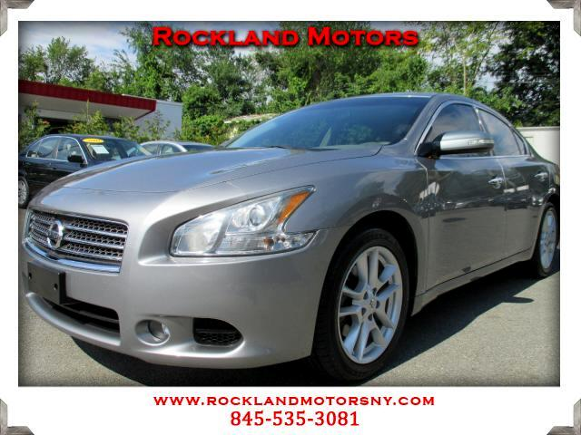 2009 Nissan Maxima DISCLAIMER We make every effort to present information that is accurate However