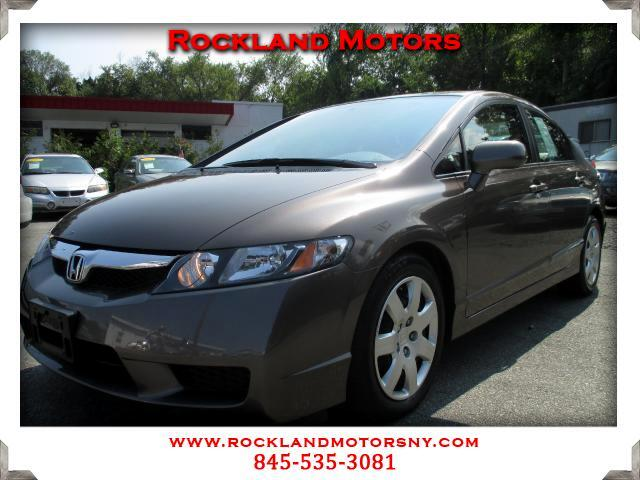2011 Honda Civic DISCLAIMER We make every effort to present information that is accurate However i