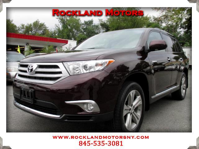 2011 Toyota Highlander DISCLAIMER We make every effort to present information that is accurate How