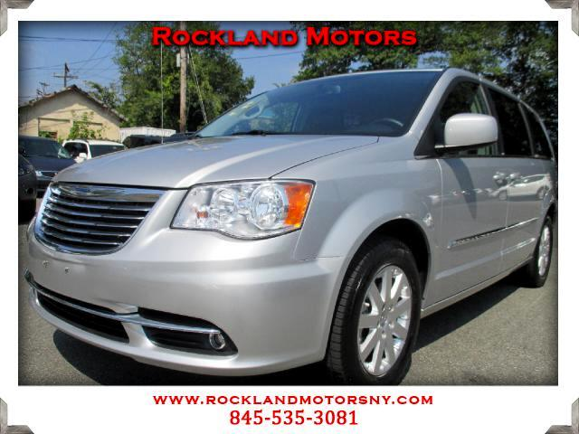2012 Chrysler Town  Country DISCLAIMER We make every effort to present information that is accurat