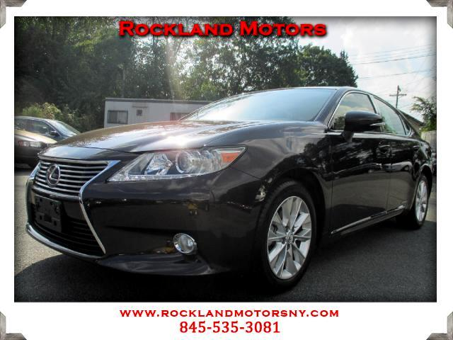 2013 Lexus ES 300h DISCLAIMER We make every effort to present information that is accurate However