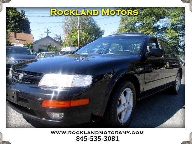 1999 Nissan Maxima DISCLAIMER We make every effort to present information that is accurate Howeve