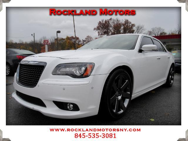 2013 Chrysler 300C SRT-8 DISCLAIMER We make every effort to present information that is accurate H
