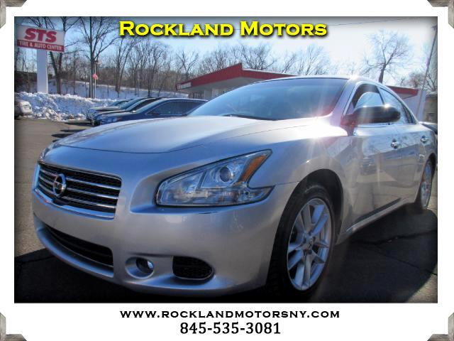 2011 Nissan Maxima DISCLAIMER We make every effort to present information that is accurate Howeve