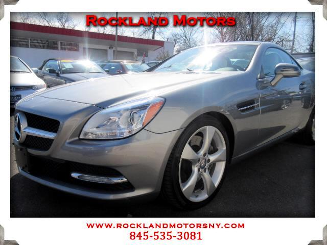 2012 Mercedes SLK DISCLAIMER We make every effort to present information that is accurate However