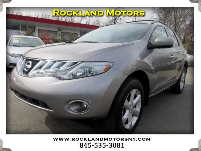 2010 Nissan Murano DISCLAIMER We make every effort to present information that is accurate Howeve