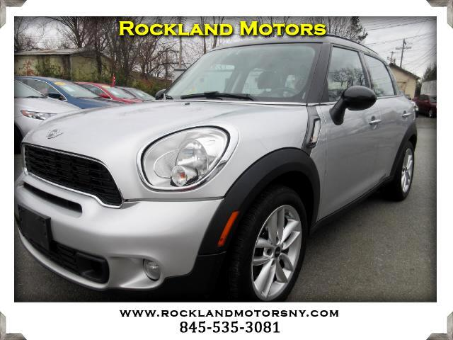 2011 MINI Countryman DISCLAIMER We make every effort to present information that is accurate Howe