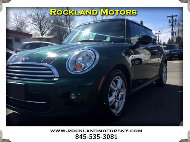 2012 MINI Cooper DISCLAIMER We make every effort to present information that is accurate However