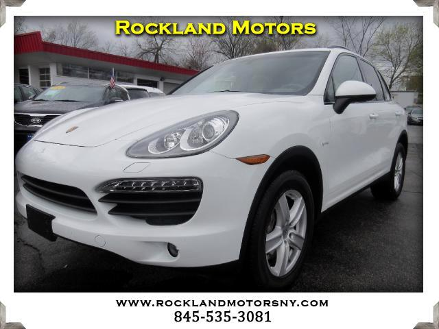 2012 Porsche Cayenne Hybrid DISCLAIMER We make every effort to present information that is accurat