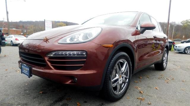 2011 Porsche Cayenne DISCLAIMER We make every effort to present information that is accurate Howe