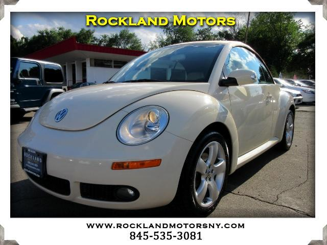 2006 Volkswagen New Beetle DISCLAIMER We make every effort to present information that is accurate