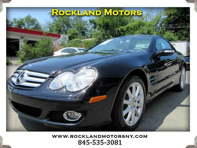 2007 Mercedes SL-Class DISCLAIMER We make every effort to present information that is accurate Ho