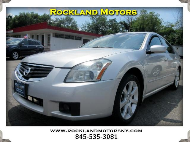 2007 Nissan Maxima DISCLAIMER We make every effort to present information that is accurate Howeve