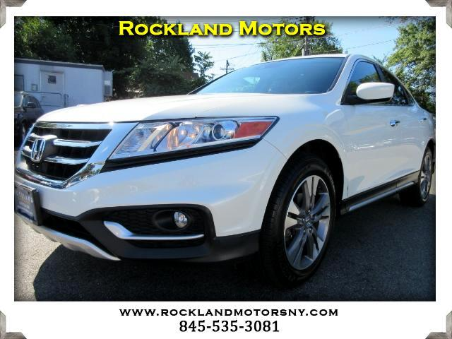 2013 Honda Crosstour DISCLAIMER We make every effort to present information that is accurate Howe