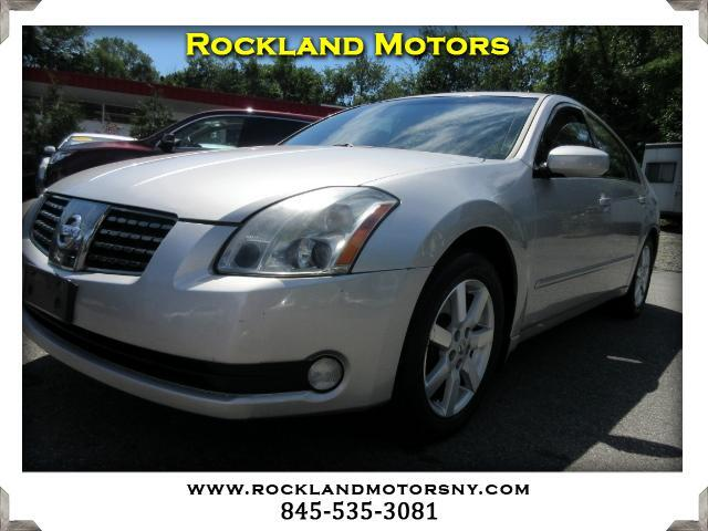 2004 Nissan Maxima DISCLAIMER We make every effort to present information that is accurate Howeve