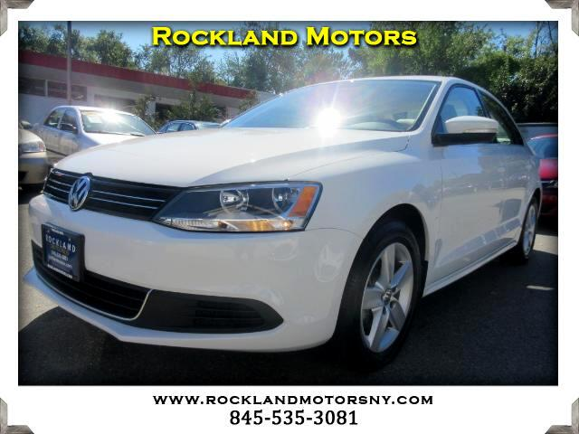2014 Volkswagen Jetta DISCLAIMER We make every effort to present information that is accurate How