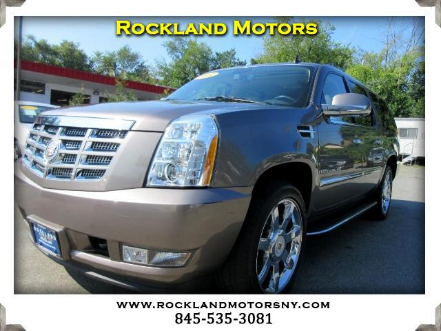 2012 Cadillac Escalade DISCLAIMER We make every effort to present information that is accurate Ho