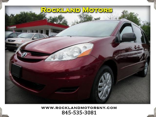 2007 Toyota Sienna DISCLAIMER We make every effort to present information that is accurate Howeve