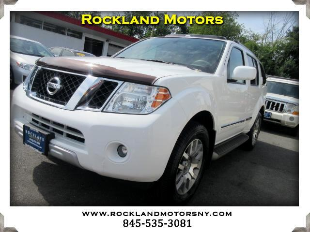 2011 Nissan Pathfinder DISCLAIMER We make every effort to present information that is accurate Ho