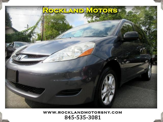 2006 Toyota Sienna DISCLAIMER We make every effort to present information that is accurate Howeve