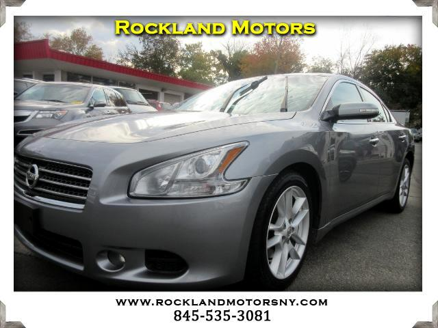 2009 Nissan Maxima DISCLAIMER We make every effort to present information that is accurate Howeve