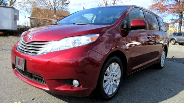 2012 Toyota Sienna DISCLAIMER We make every effort to present information that is accurate Howeve