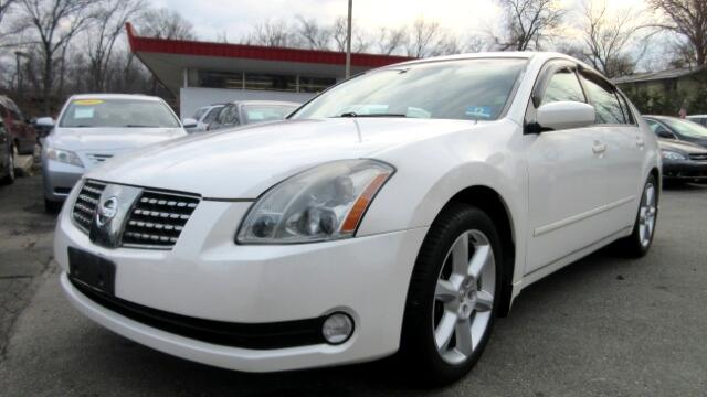 2005 Nissan Maxima DISCLAIMER We make every effort to present information that is accurate Howeve