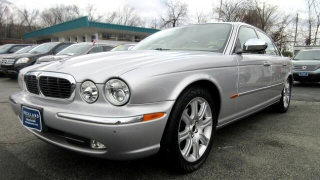 2004 Jaguar XJ-Series DISCLAIMER We make every effort to present information that is accurate How